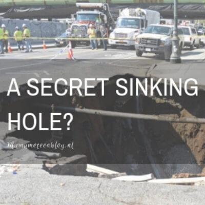 sinking hole mamameteenblog.nl
