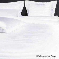 slapen onder een satijnen dekbedhoes mamameteenblog
