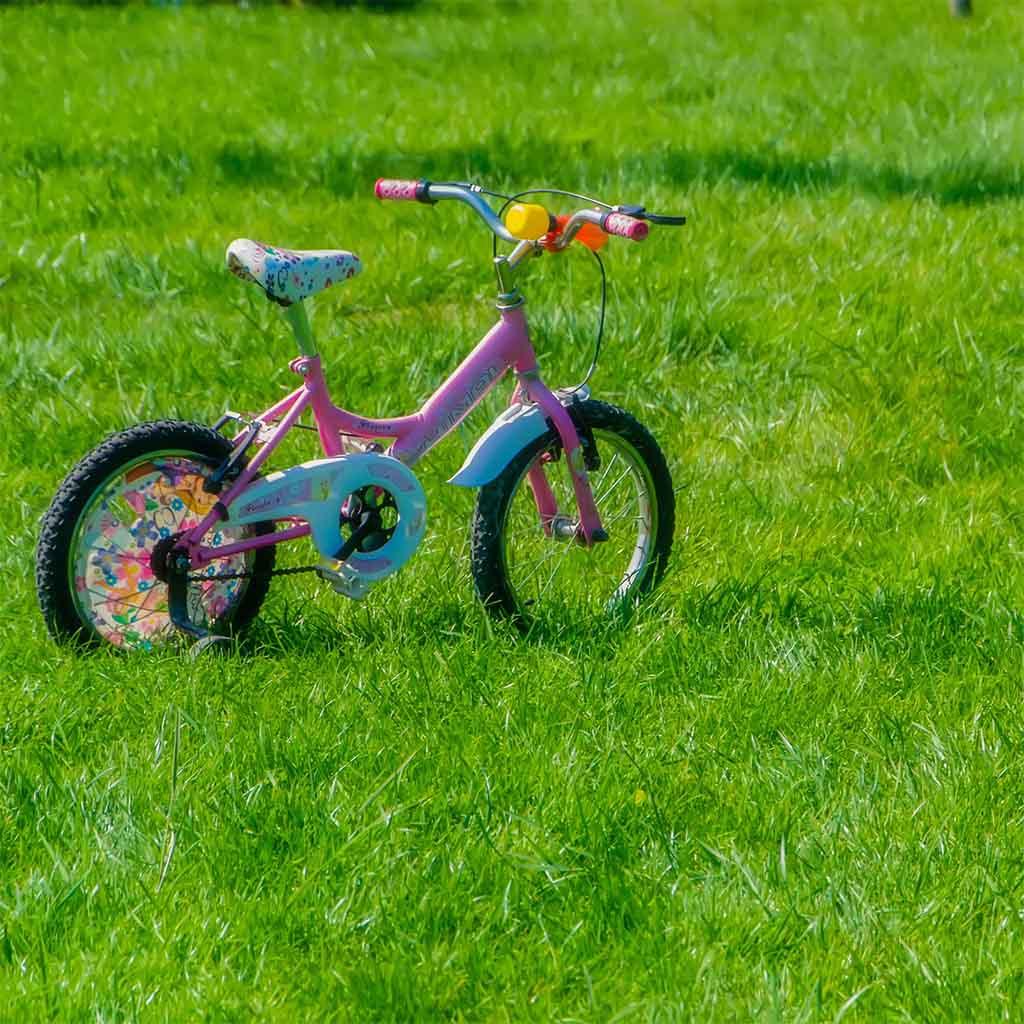 hoe ik mijn kind heb leren fietsen mamameteenblog.nl