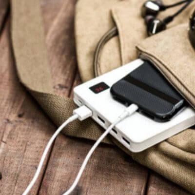 smartphone-powerbank-mamameteenblog.nl_