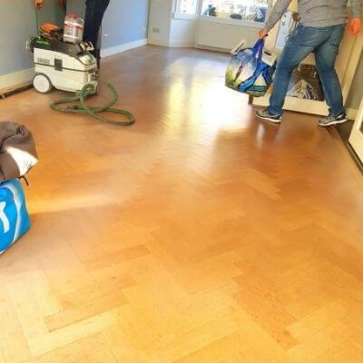 schuren en waxen houten vloer mamameteenblog.nl