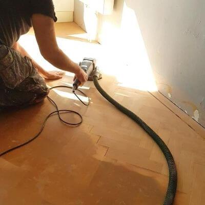 schuren houten vloer mamameteenblog.nl